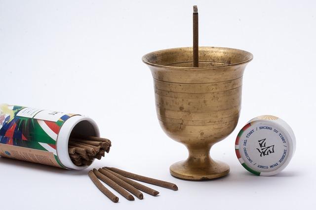 použití aromaterapie, vonné tyčinky