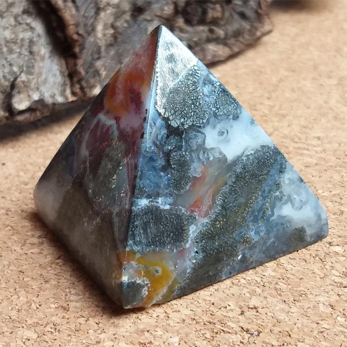kameny, kámen, stone, mineral, nerost, markazit, markazite, pyramida, pyramid, drúza, druse
