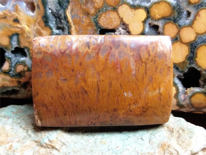 nerost, nerosty, kámen, mineral, stone, agate, achát, obláčkvý achát, plume agate, cabochon, kabošon