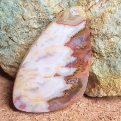 nerost, mineral, kámen, stone, agate, achát, seam agate, plume agate, lace agate, obláčkový achát, krajkový achát, kabošon, cabochon