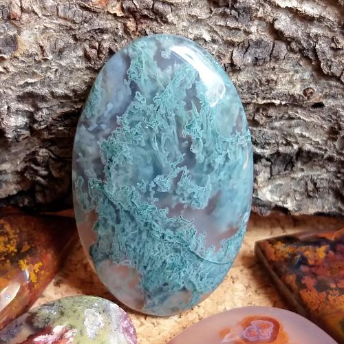 nerost, mineral, kámen, stone, mechový achát, moss agate, kabošon, cabochon