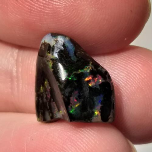 nerost, mineral, kámen, stone, opál, opal, drahý opál, precious opal, černý opál, black opal, wood opal, dřevo opál, raw, surový